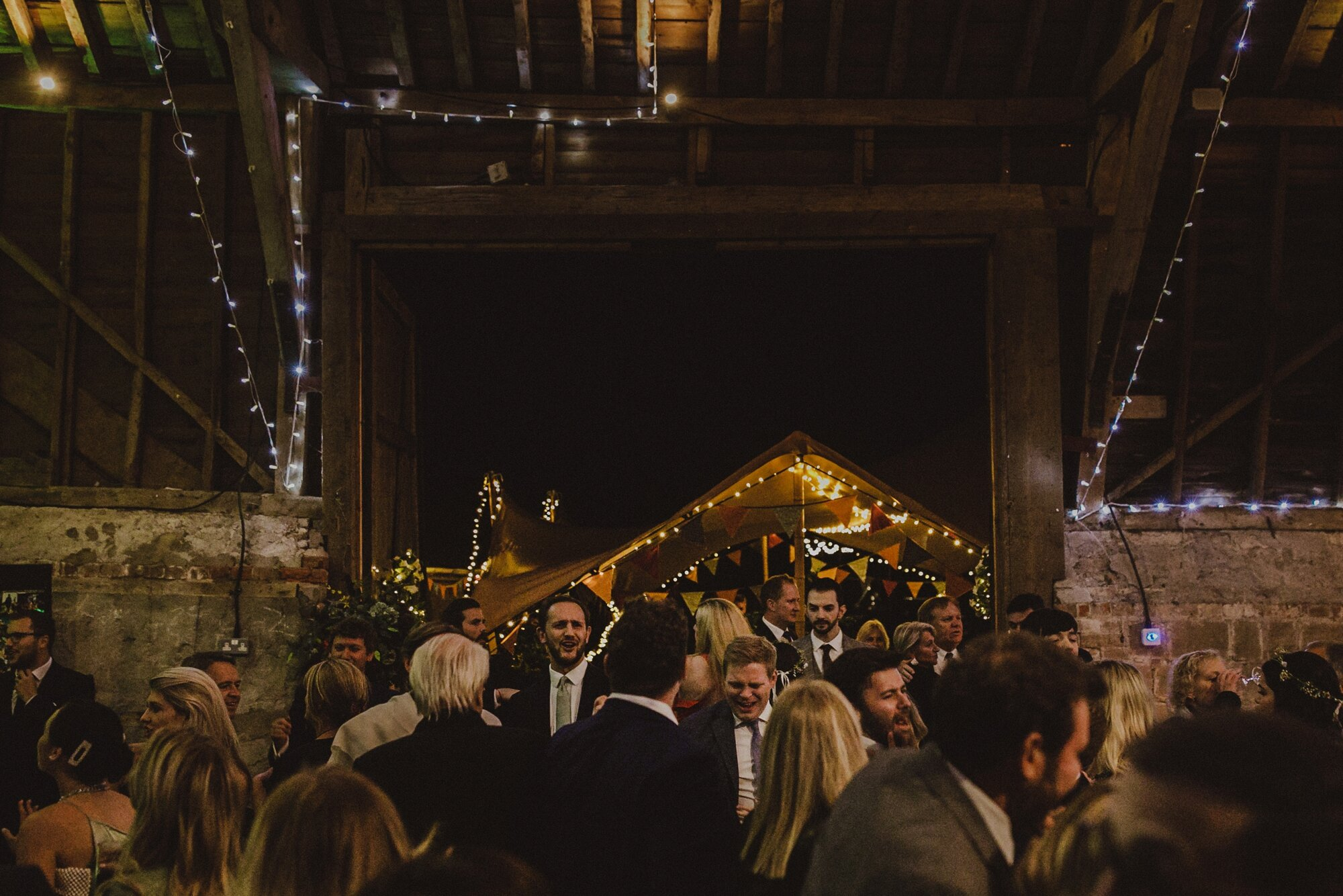 wick-bottom-barn-wedding-wiltshire_0217.jpg