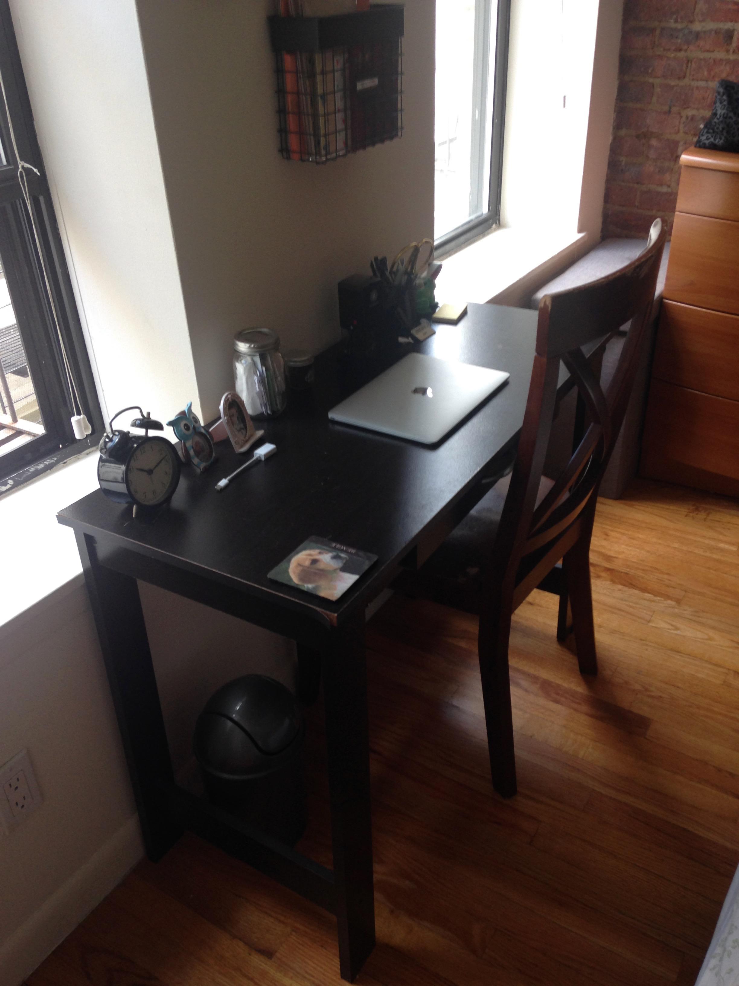 6. Desk!
