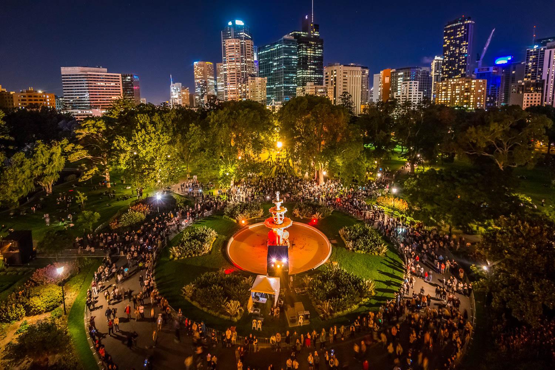 Melbourne Museum White Night 2016 -75.jpg
