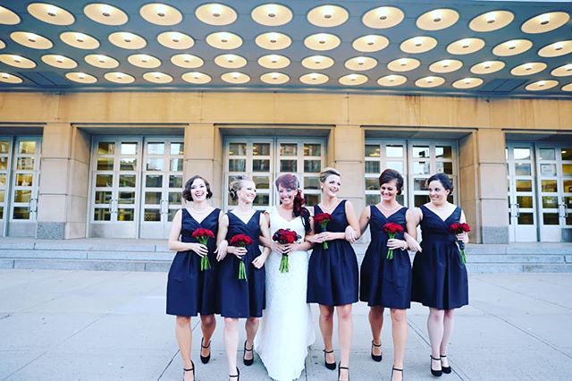 The bride and her #squad 😙 #weddingphotographer  #weddingseason #bride #firstclassphotographykc #bridesmaids #weddingsquad #theknotweddings #kcpwg #kansascityweddings