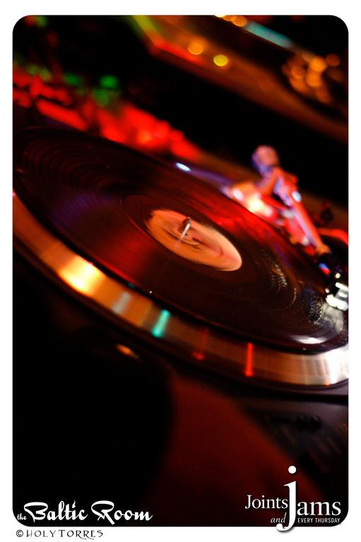 JJ20100506-141-XL.jpg