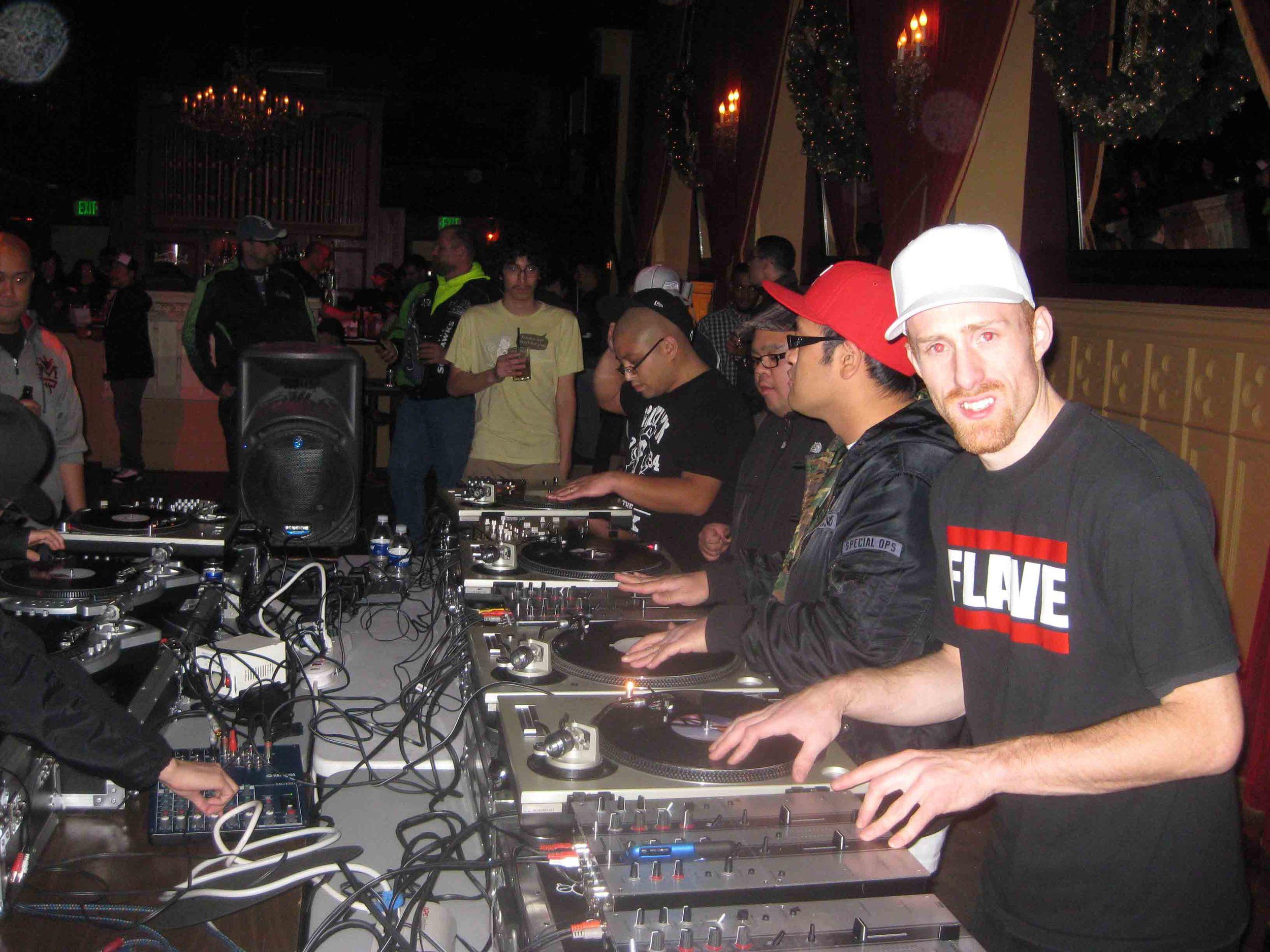 2011_12_01_Skratch Lounge (Tre & Shmix) (3).jpg