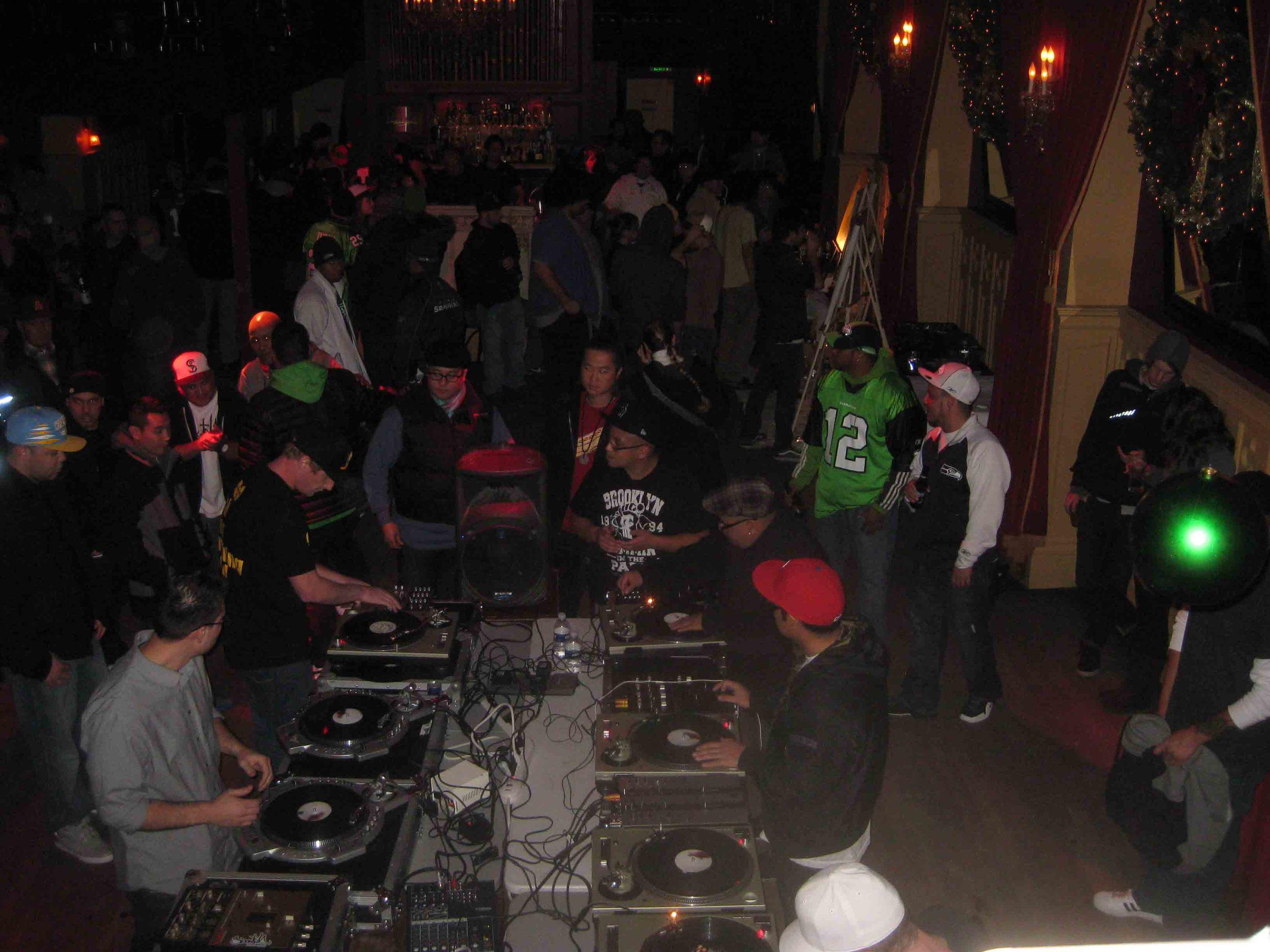 2011_12_01_Skratch Lounge (Tre & Shmix) (6).jpg