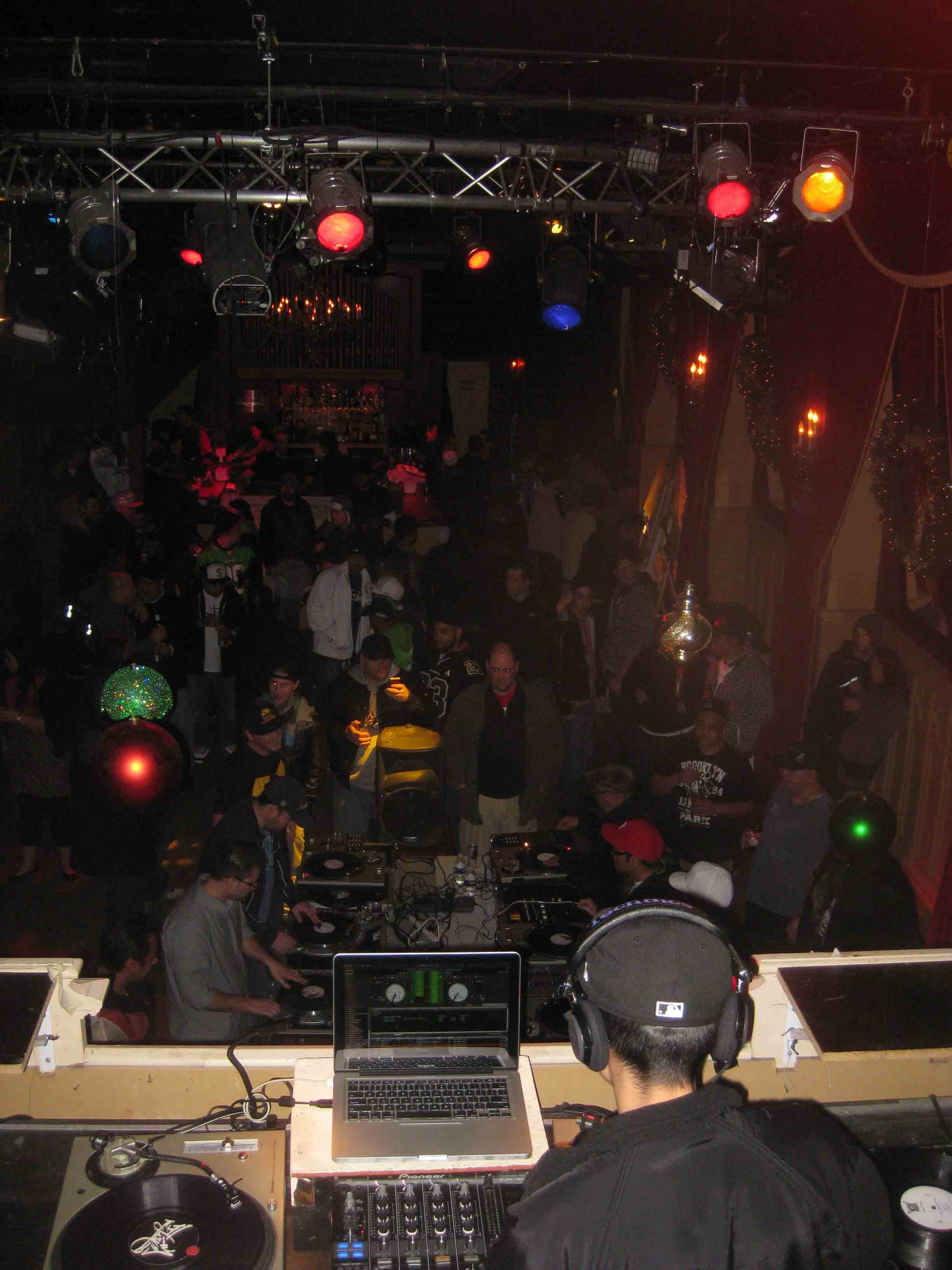 2011_12_01_Skratch Lounge (Tre & Shmix) (8).jpg