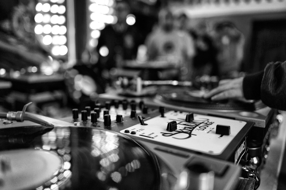 Skratch-Lounge_2015-04-02_054-BW.jpg