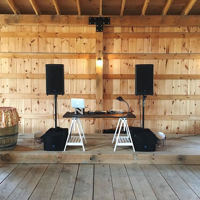 When you feel right at home. 💃🏼🕺🏻 Congrats Alysha & Ian! Thanks for allowing us to provide the soundtrack for your special day! #lionsgarden #mustseevenue #yegwedding #barn