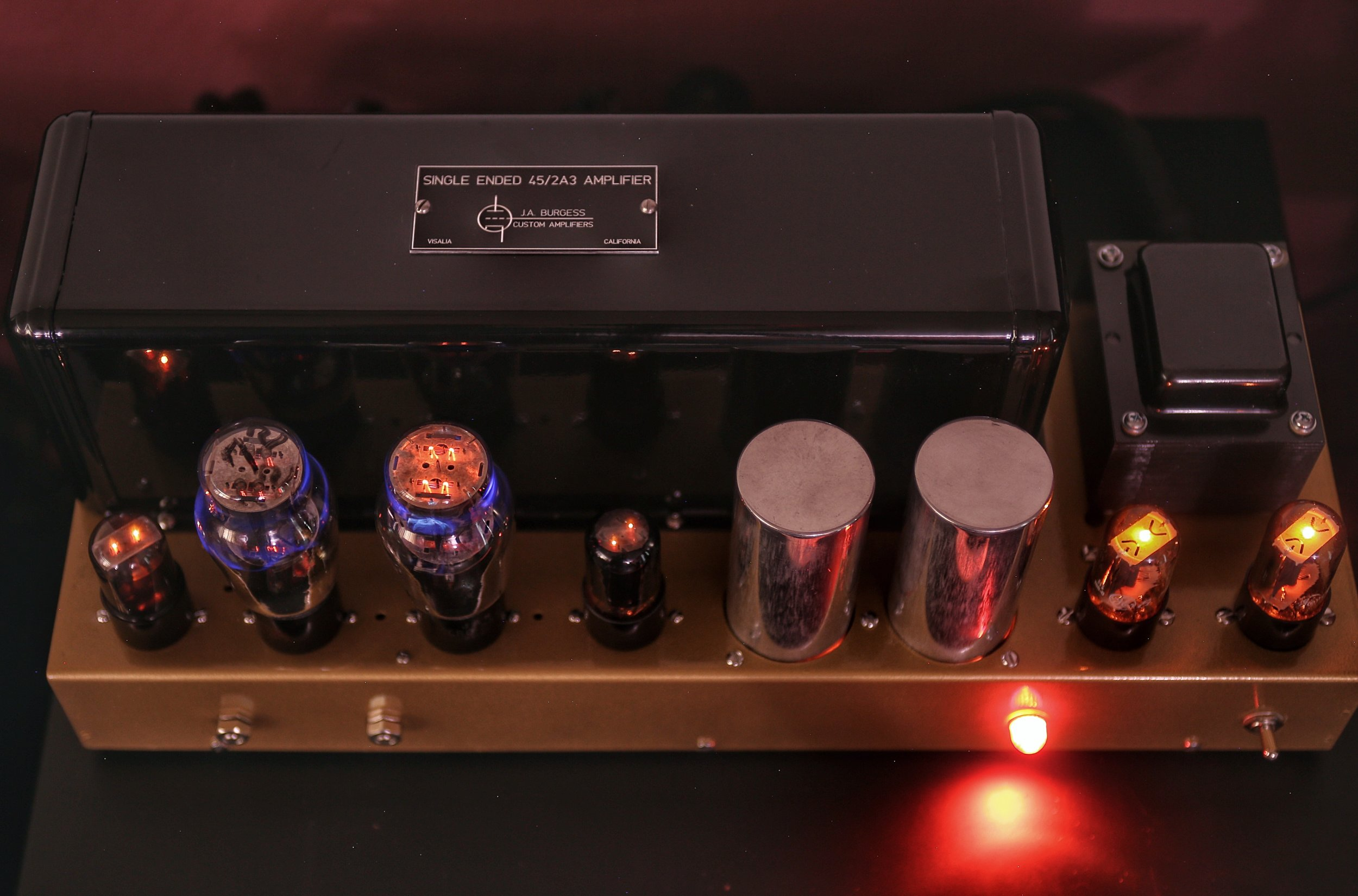 2A3 power triode's along with 12SL7 and 6AX4 tubes performing in all their glory!