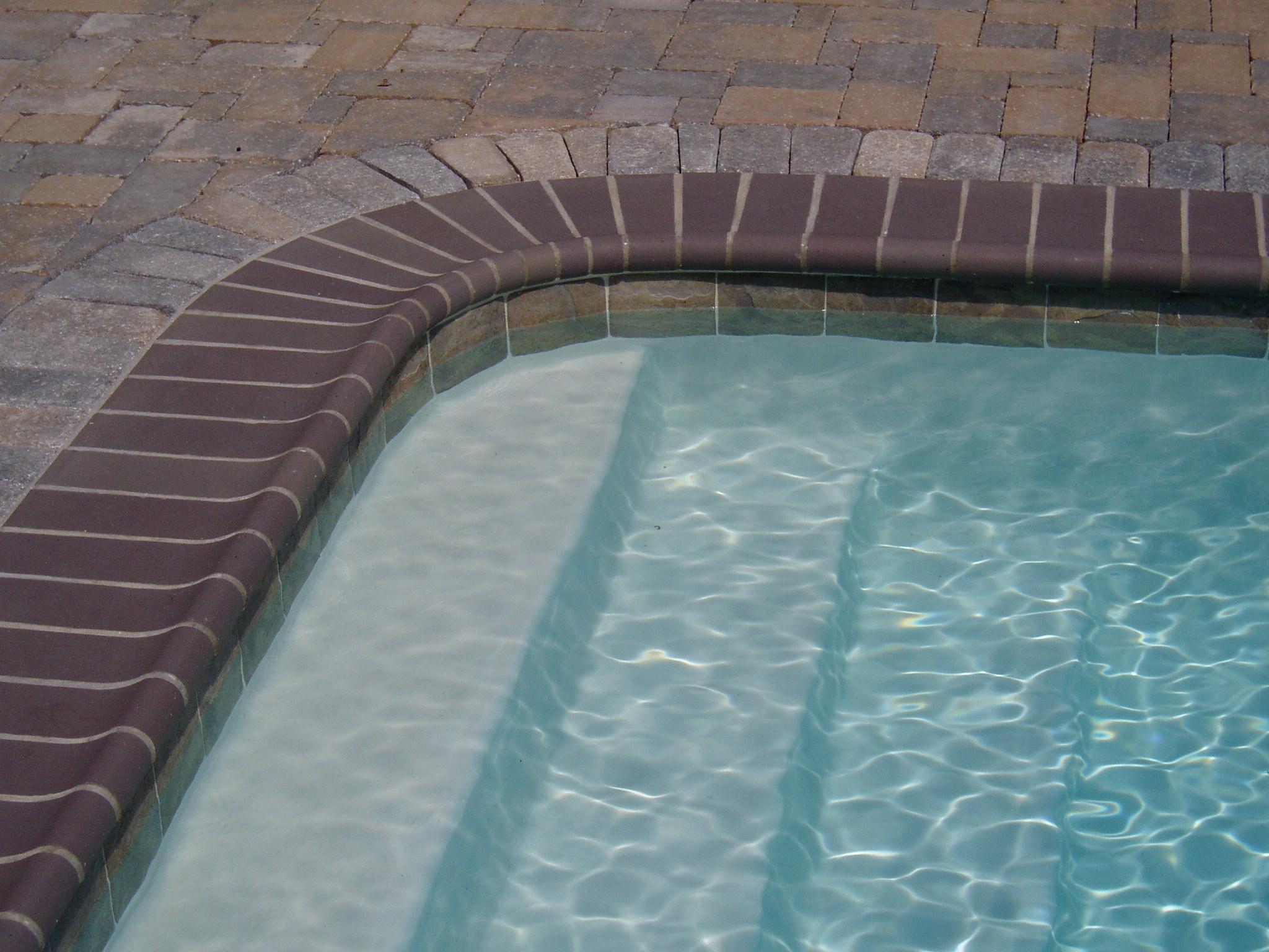 Bullnose Brick in Cobblestone color.