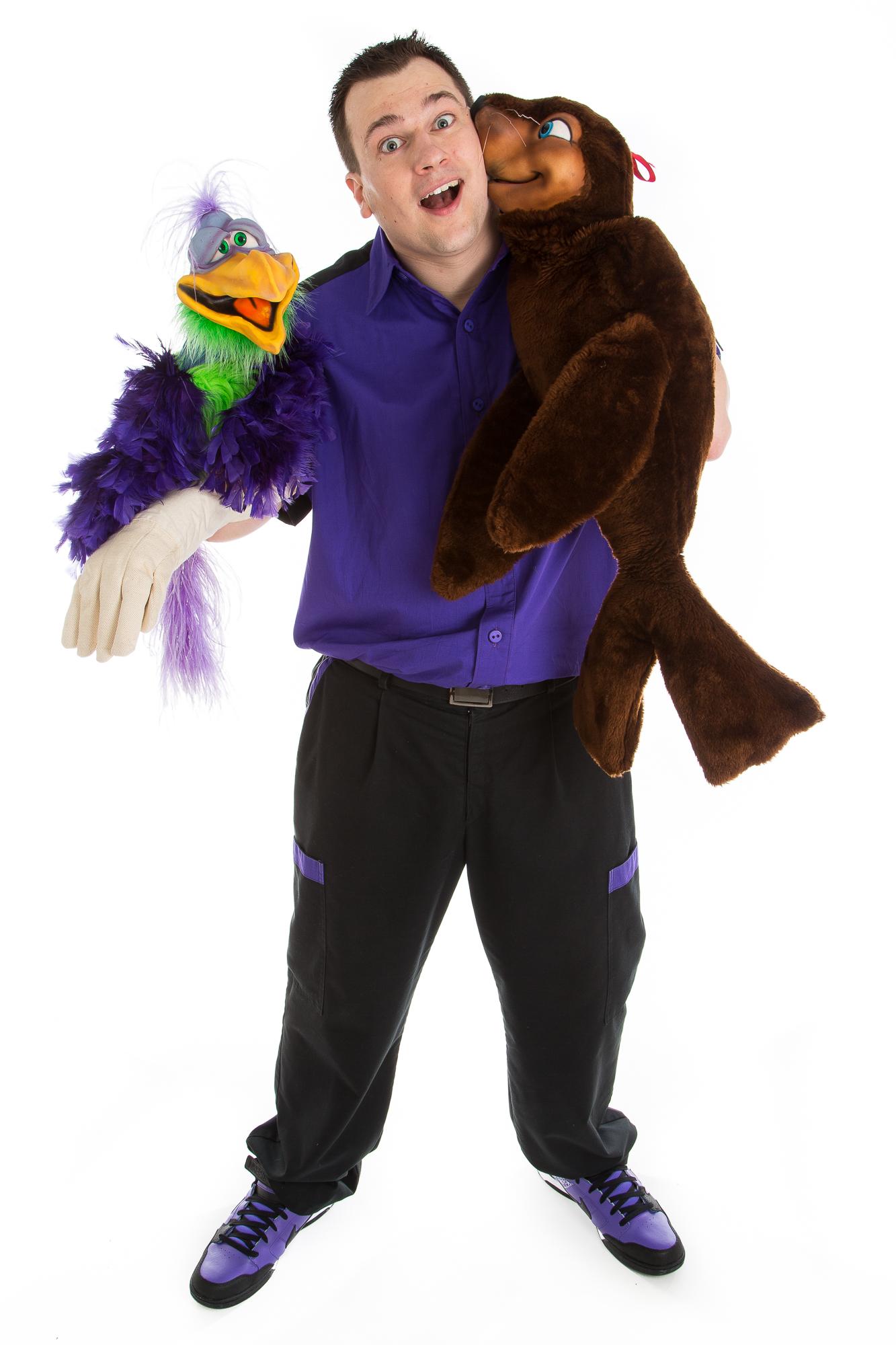Wayne Wonder Puppets and ventriloquism.jpg