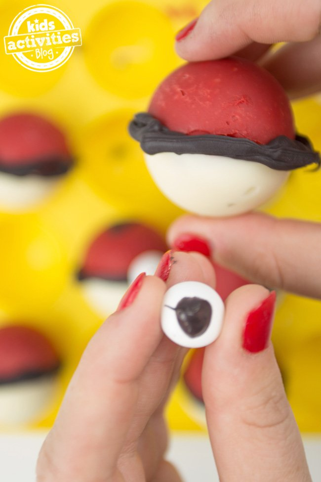 Candy-Pokeballs-8-copy.jpg