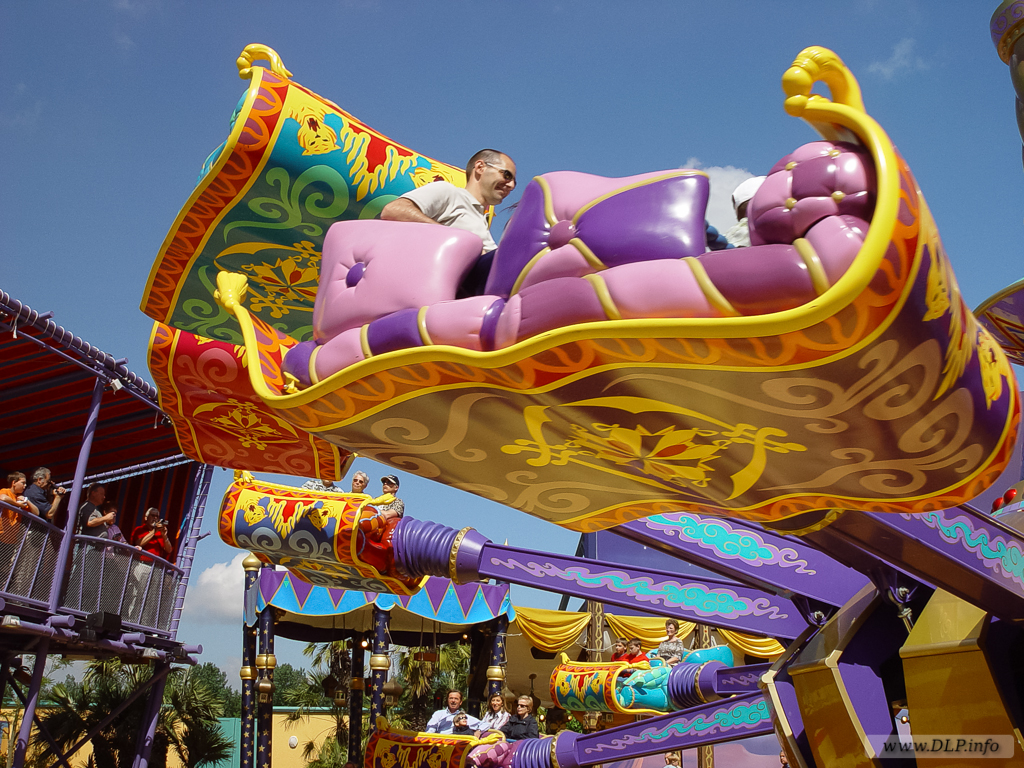 Flying-Carpets-Over-Agrabah-03.jpg