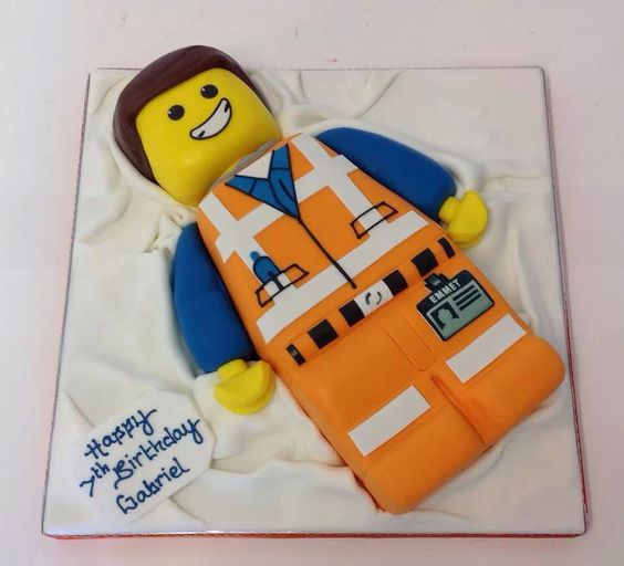 Love this Emmet Cake