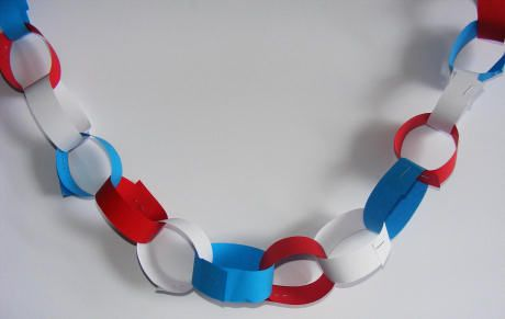 Royal Paper Chain from Wonder Kids