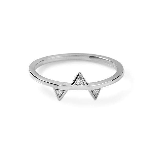 S T A C K 'em up 👆🏼 this ring on the website £115 🔺🔻🔺