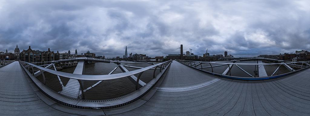London, Millennium Bridge 0001