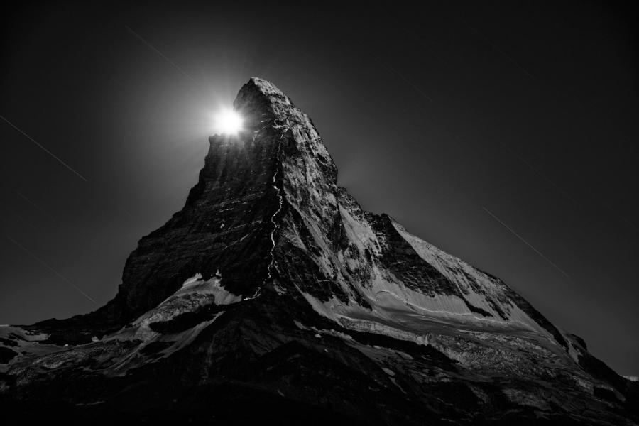 8_Climbers-Flashlights-at-Full-Moon-2013-by-Nenad-Saljic-1000x900.jpg