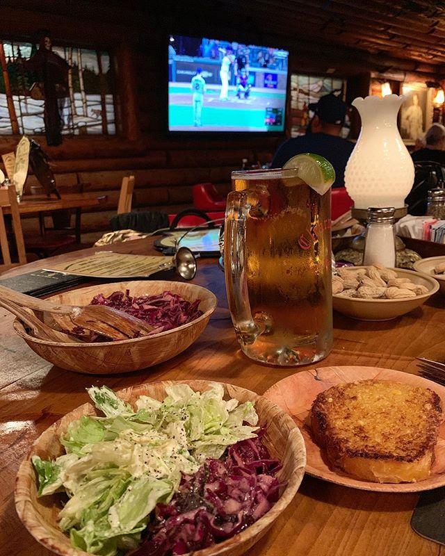 #clearmansnorthwoodsinn garlic bread and salads with a side of Dodgers!!! #letsgoblue #sundayfunday #whereisantlersandyai