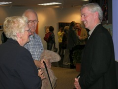 Doug Fraser speaks with art enthusiasts during his lecture at Bowling Green state University.
