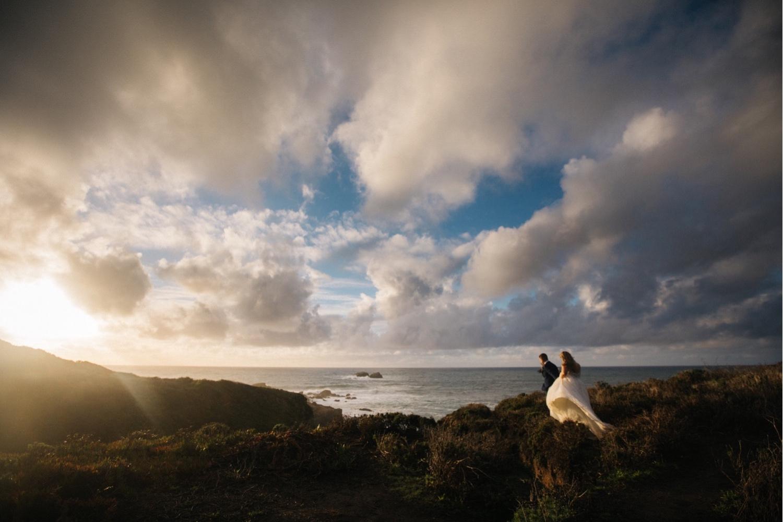 57_KBelope-592_adventurous_blooms_elopement_bigsur_extravaganza_big_sunset_elopementphotographer_zoe_wandering_burchard_romantic_adventure_sur_photographer.jpg
