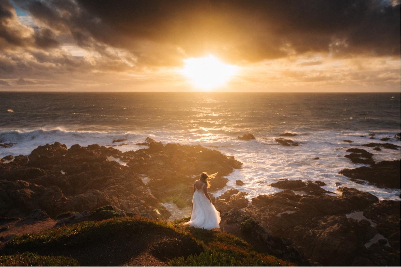 64_KBelope-647_adventurous_blooms_elopement_bigsur_extravaganza_big_sunset_elopementphotographer_zoe_wandering_burchard_romantic_adventure_sur_photographer.jpg
