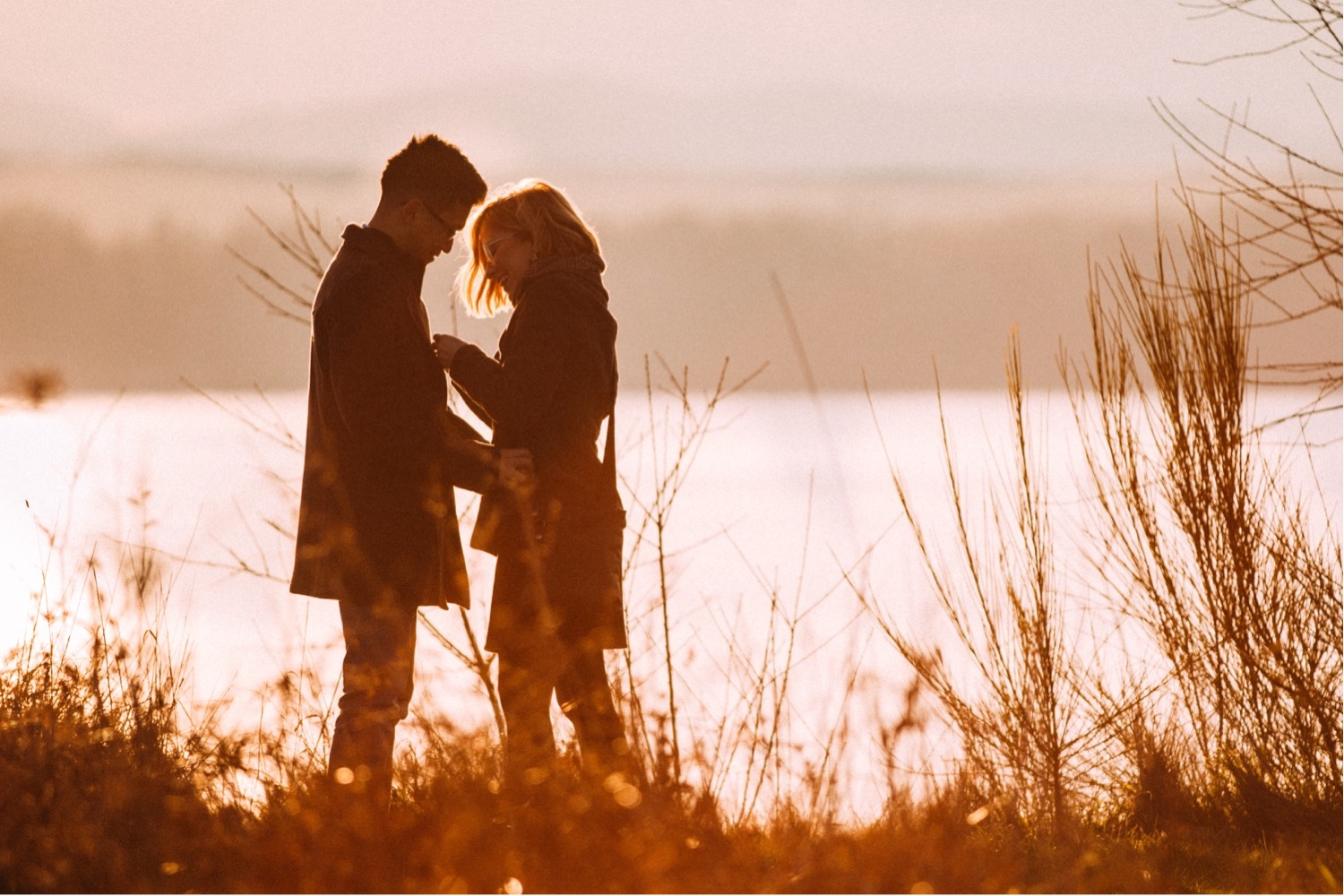 08_MC-24_sunsetproposal_adventure,_adventurous,_discoverypark_zoe_elopement_elopementphotographer_zoeburchardstudio_seattlebride_sunset_burchard_proposal,_seattle_photographer.jpg