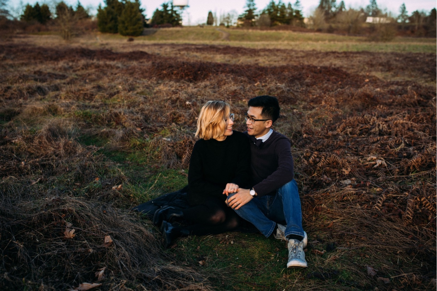 18_MC-74_sunsetproposal_adventure,_adventurous,_discoverypark_zoe_elopement_elopementphotographer_zoeburchardstudio_seattlebride_sunset_burchard_proposal,_seattle_photographer.jpg