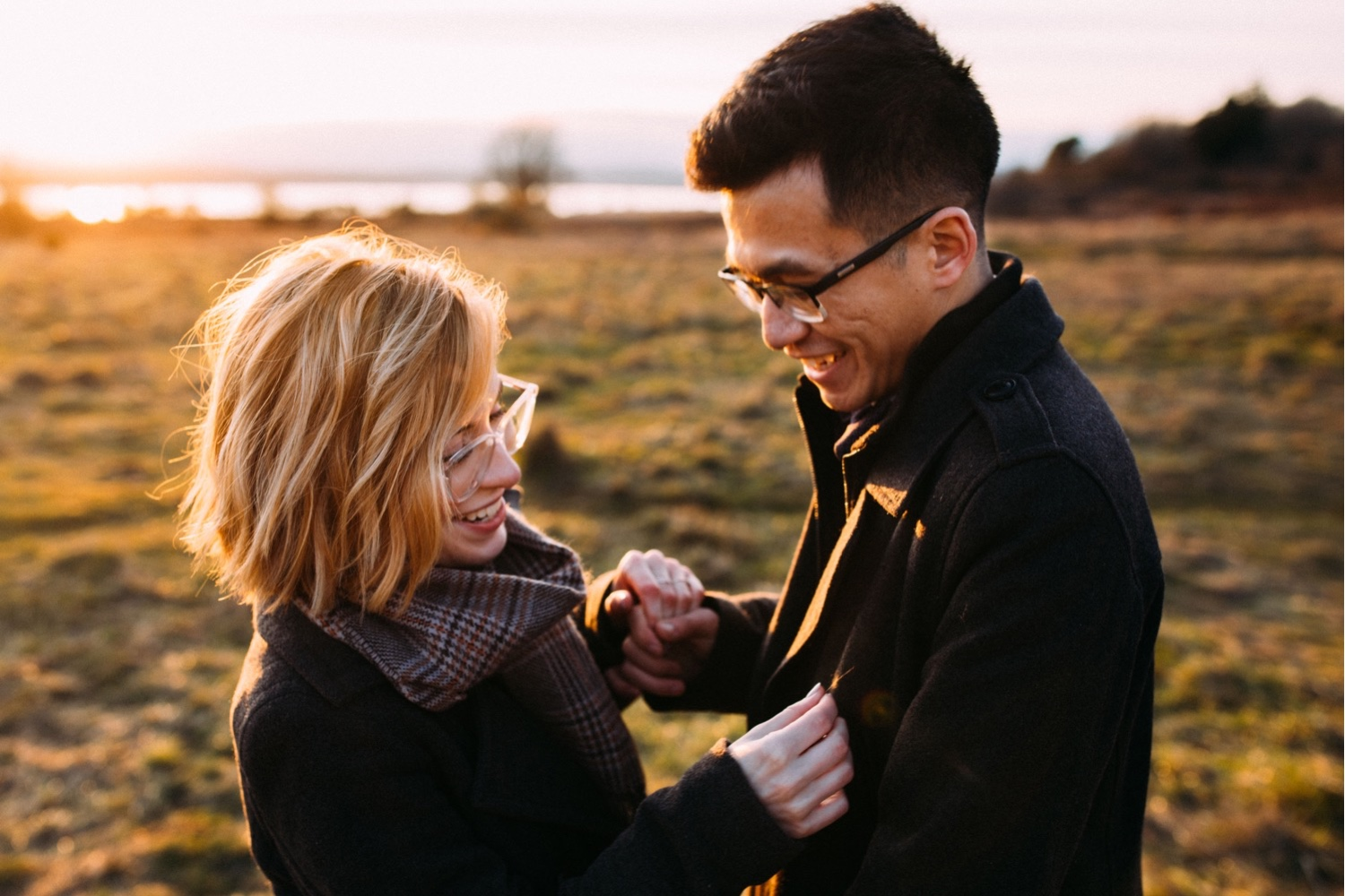 22_MC-105_champagne_sunsetproposal_adventure,_adventurous,_discoverypark_zoe_elopement_elopementphotographer_zoeburchardstudio_seattlebride_sunset_burchard_proposal,_seattle_photographer.jpg