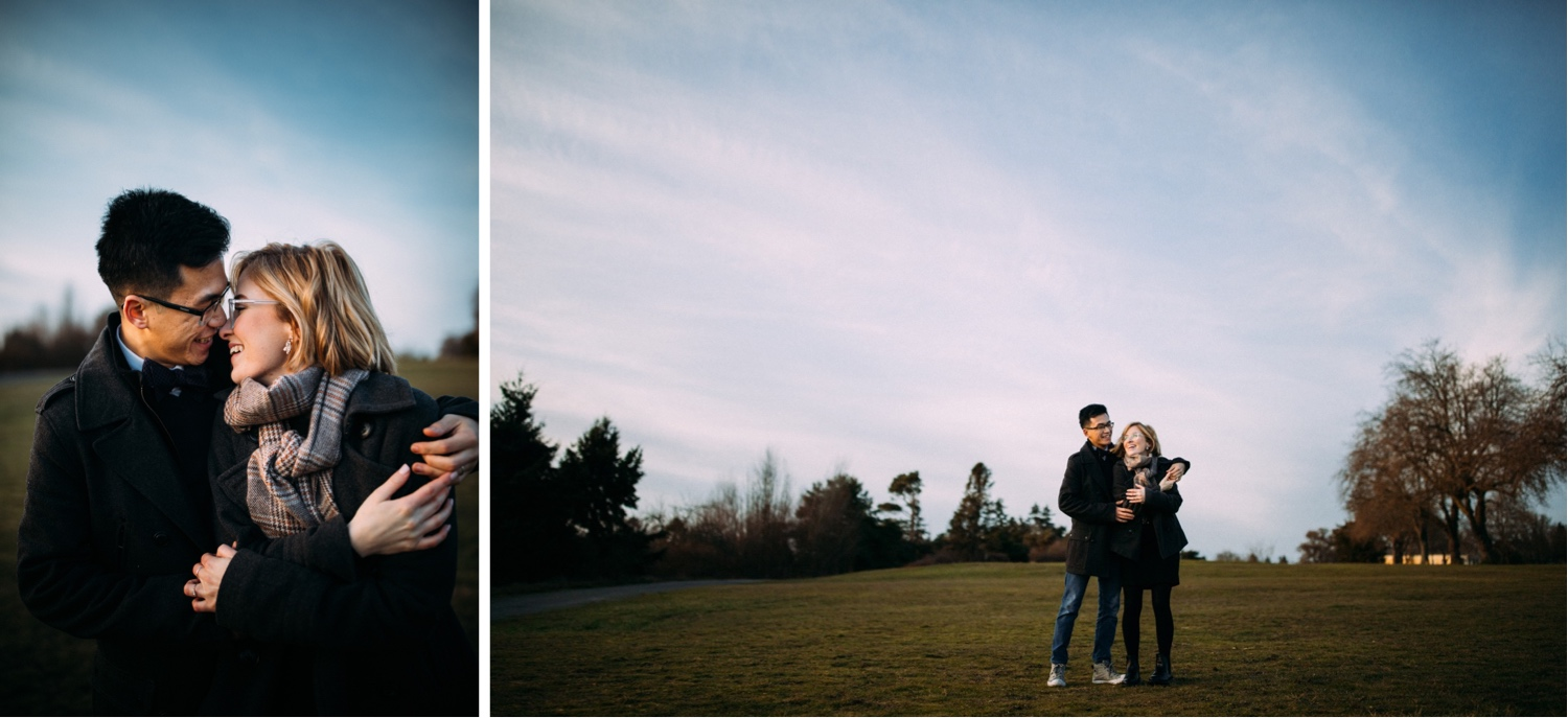 25_MC-125_MC-129_champagne_sunsetproposal_adventure,_discoverypark_adventurous,_elopementphotographer_zoe_elopement_zoeburchardstudio_seattlebride_sunset_burchard_proposal,_seattle_photographer.jpg