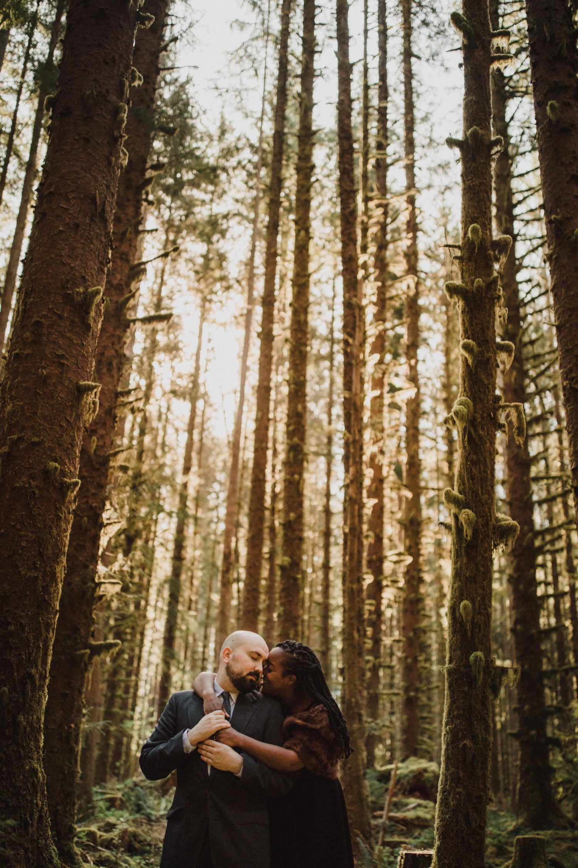 21_cp-164_elopementphotographer_zoeburchard_zoeburchardstudio_hohrainforest_engagement_wedding.jpg