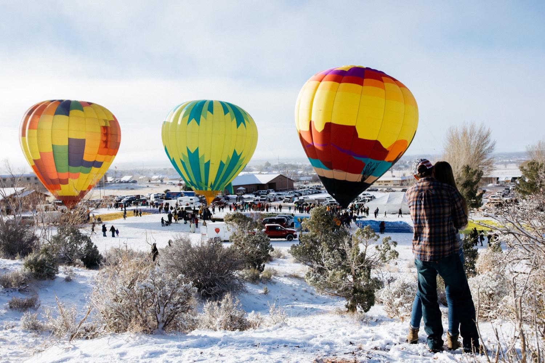 24_winter_desert_snow_zoeburchardstudio_utah_zoeburchard_elopement_redrocks_elopementphotographer.jpg