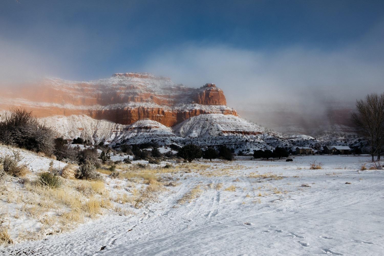 27_winter_desert_snow_zoeburchardstudio_utah_zoeburchard_elopement_redrocks_elopementphotographer.jpg