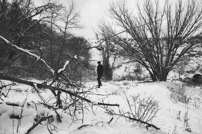 32_winter_desert_snow_zoeburchardstudio_utah_zoeburchard_elopement_redrocks_elopementphotographer.jpg