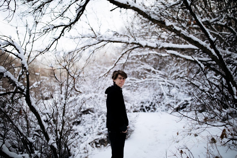 34_winter_desert_snow_zoeburchardstudio_utah_zoeburchard_elopement_redrocks_elopementphotographer.jpg