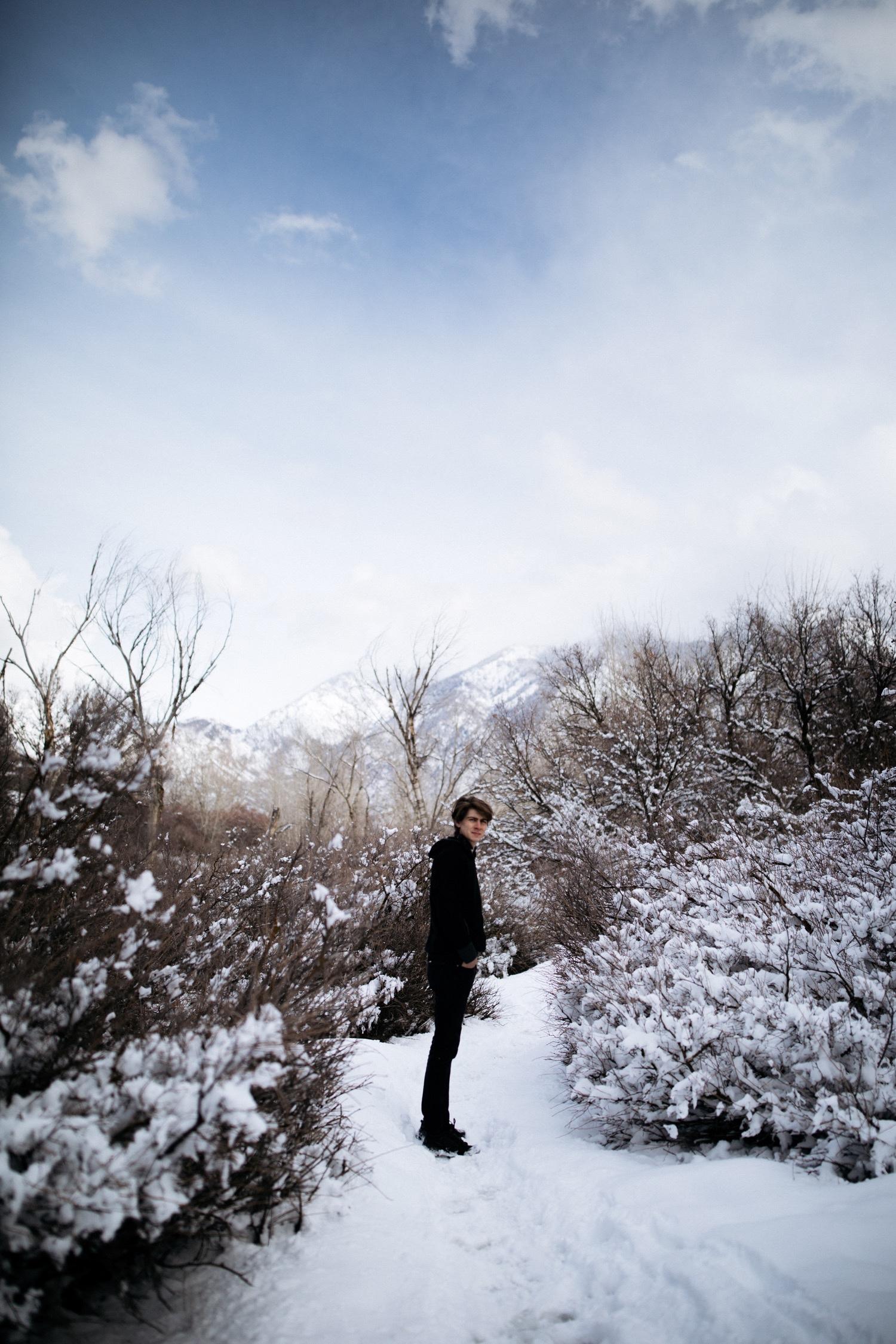 35_winter_desert_snow_zoeburchardstudio_utah_zoeburchard_elopement_redrocks_elopementphotographer.jpg