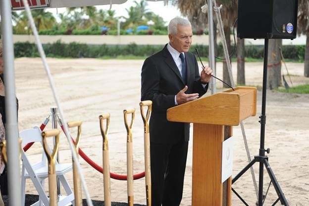 Eduardo Constantini speaking at the groundbreaking ceremony for Oceana Bal Harbour