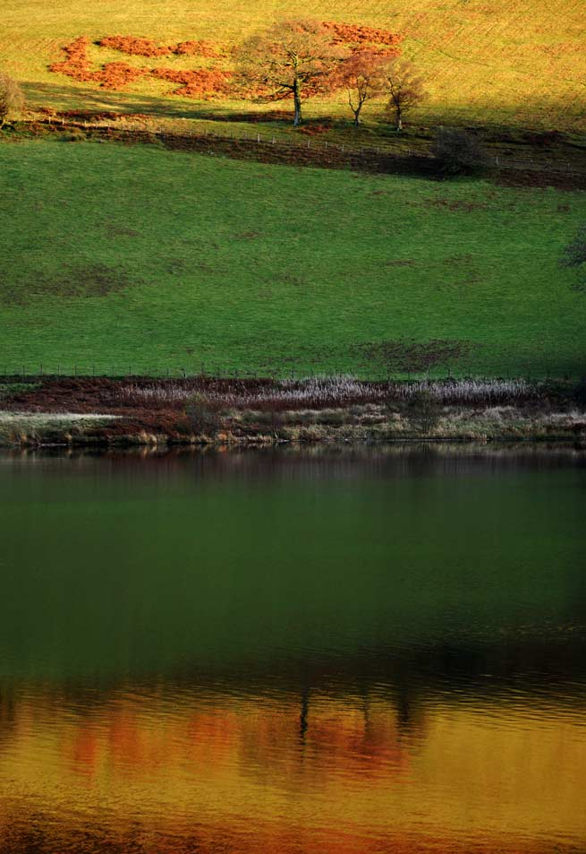 Wales-reflection-in-a-lake-.jpg