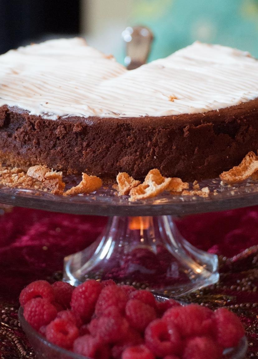 Anniversary-cake-200814.jpg