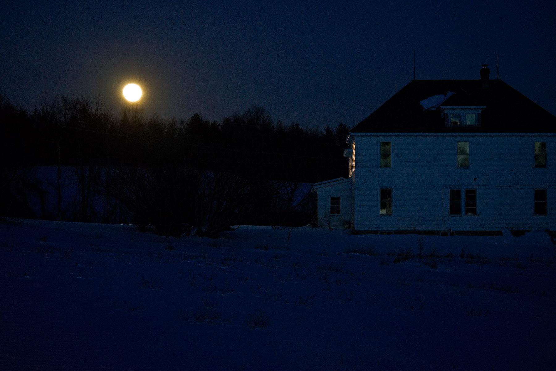 moonhouse-2-w.jpg