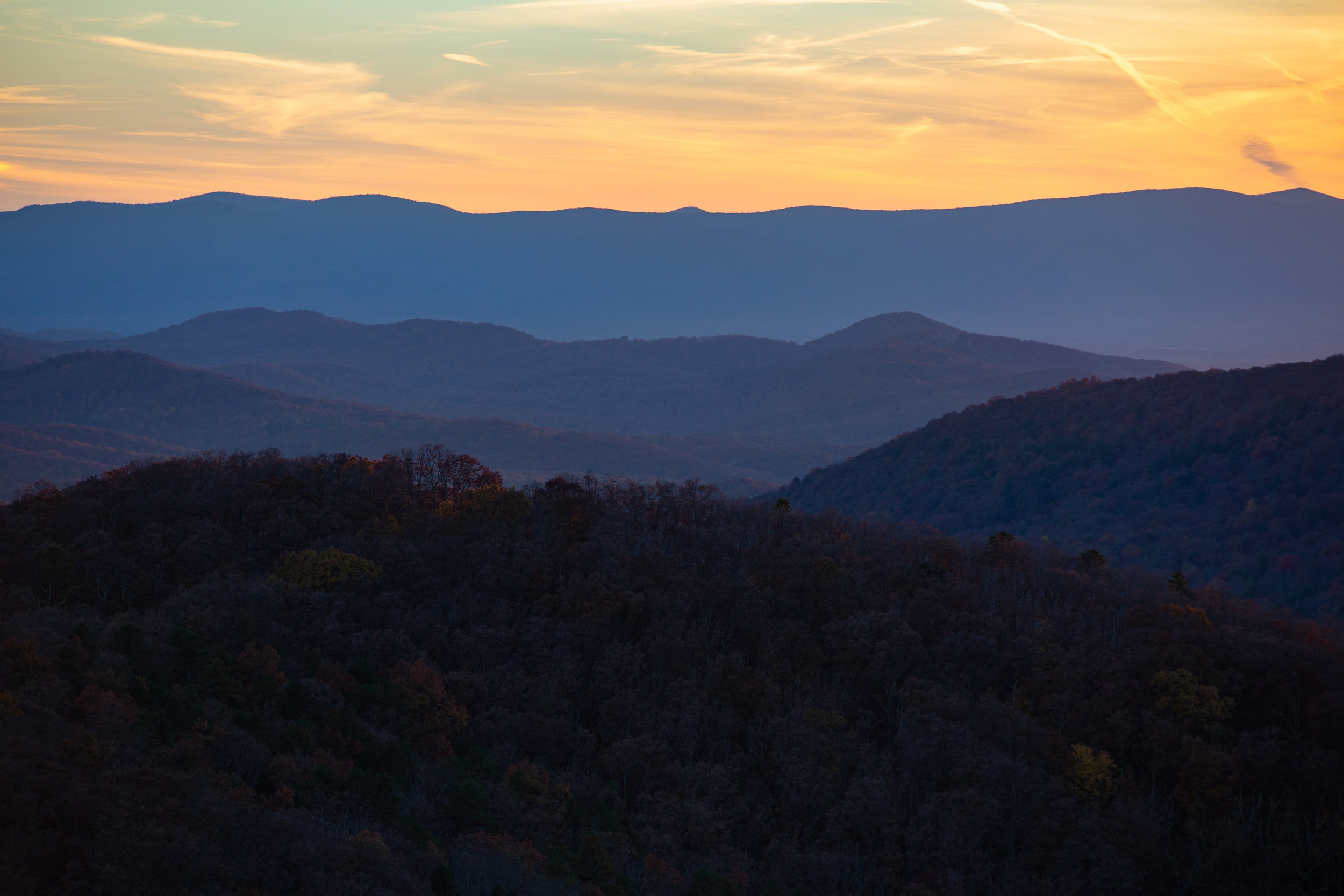 Shenandoah-National-Park-blue-ridge-parkway-day-mountains-afternoon-haze-layers-distance-texture-trees-fall-sunset-evening-BLUE