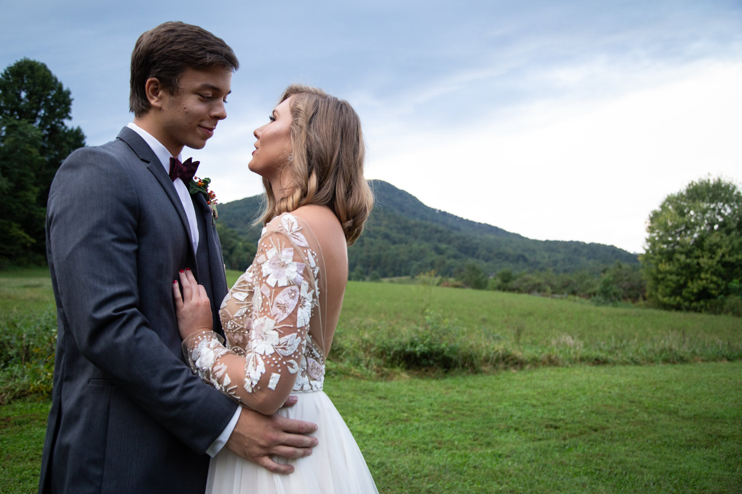 Virginia-Rooted-To-Thrive-Roanoke-Couple-Mountains-Happiness-bride-groom