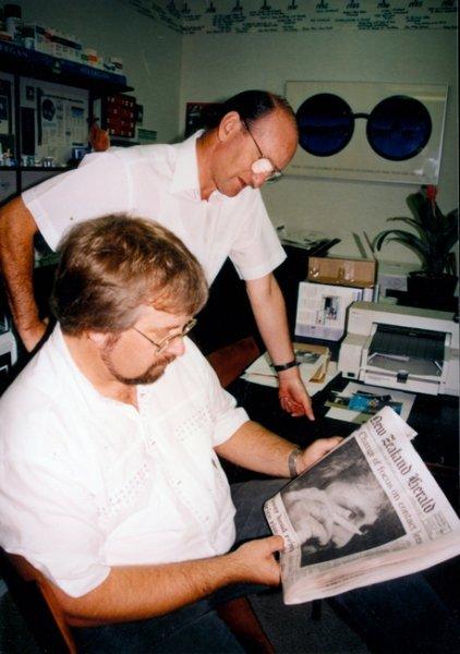 newspaper reading photo_tn.jpg