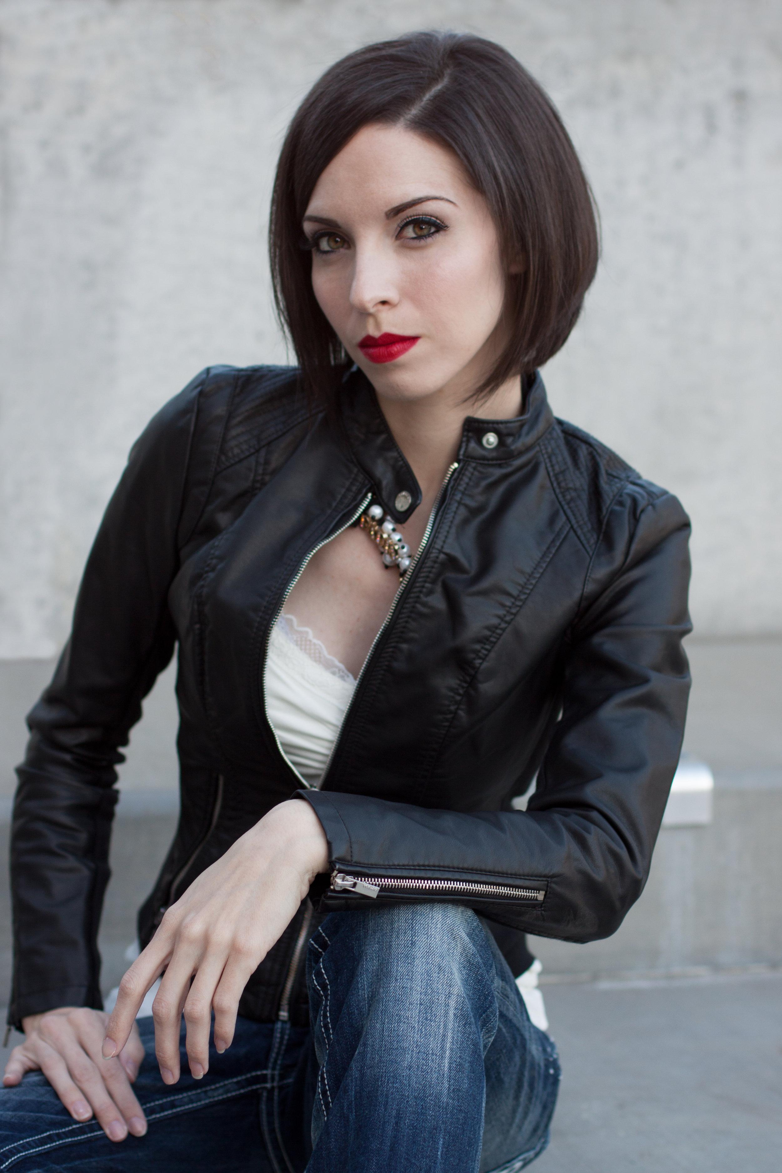 Courtney Author Photos2013_117.jpg
