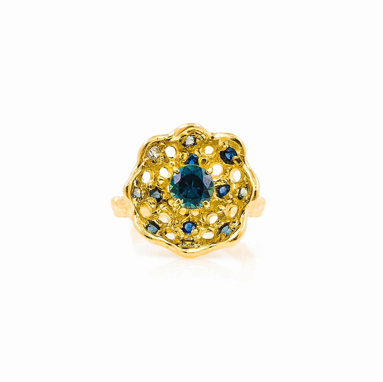 Beneath the Surface | yellow gold, Australian sapphire, white diamonds.