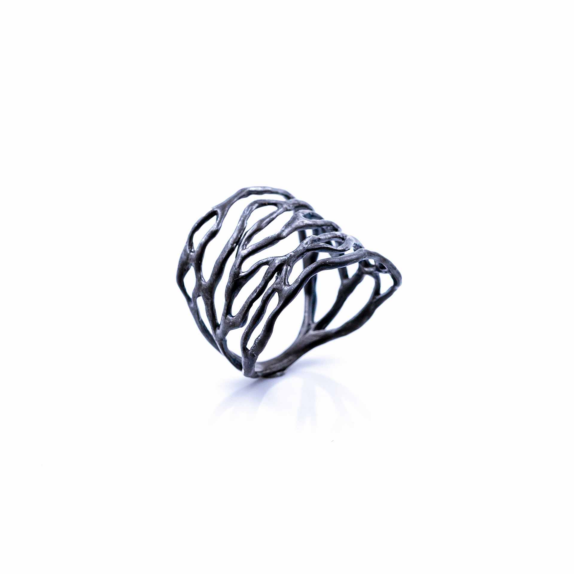 Dark Cajal Ring | Sterling silver.
