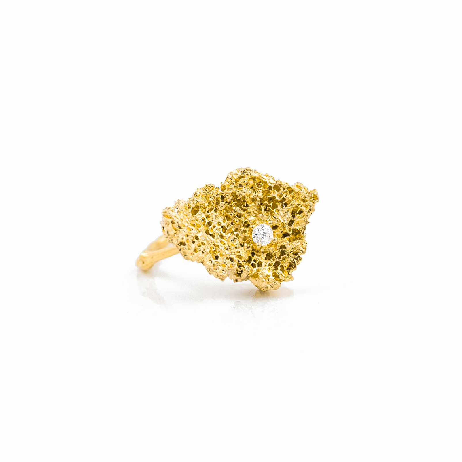 Small Island Ring | 18ct yellow gold, white diamond.