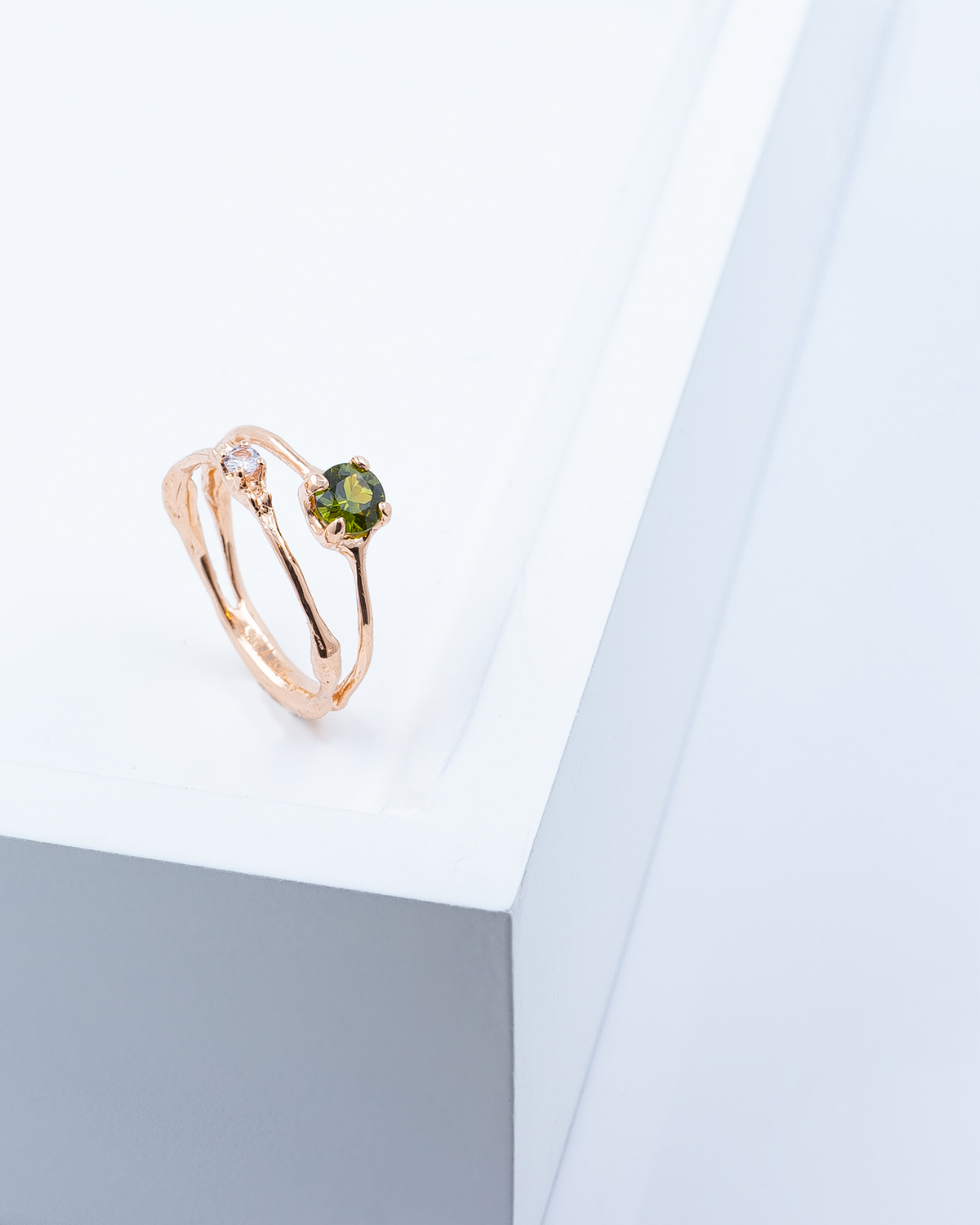 Towers Band |  Rose gold, Australian green sapphire.
