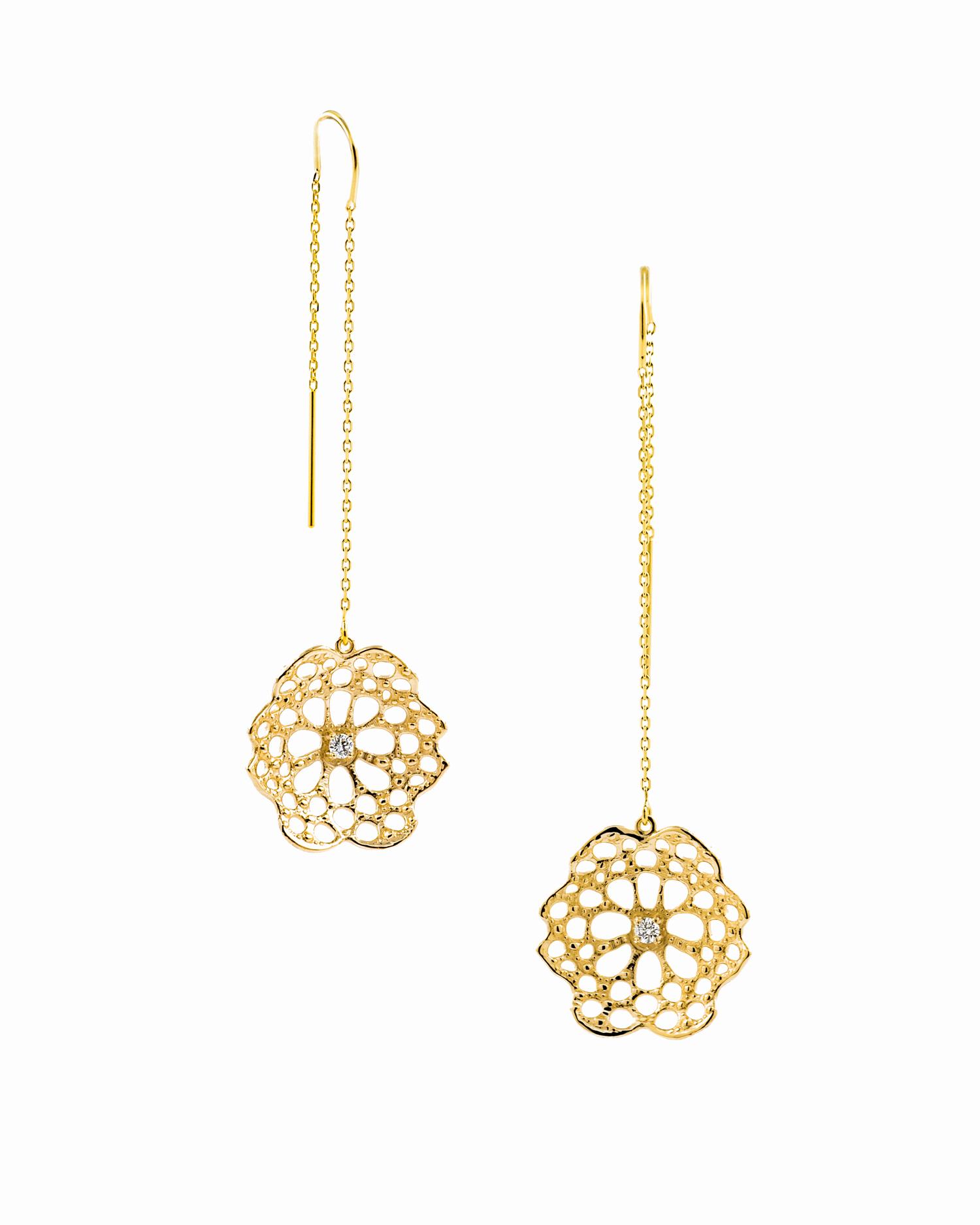 Threaded radial earrings |  14ct yellow gold, white diamonds.