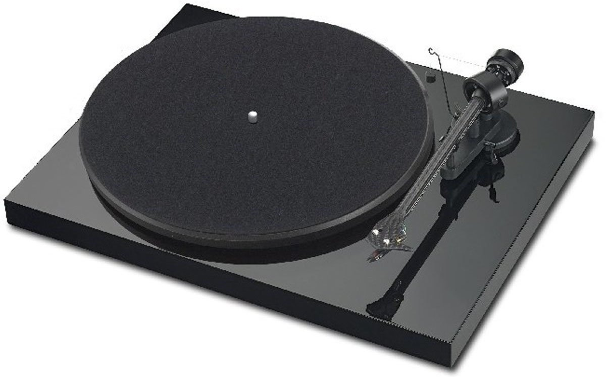 ProJect Debut Carbon  Turntable