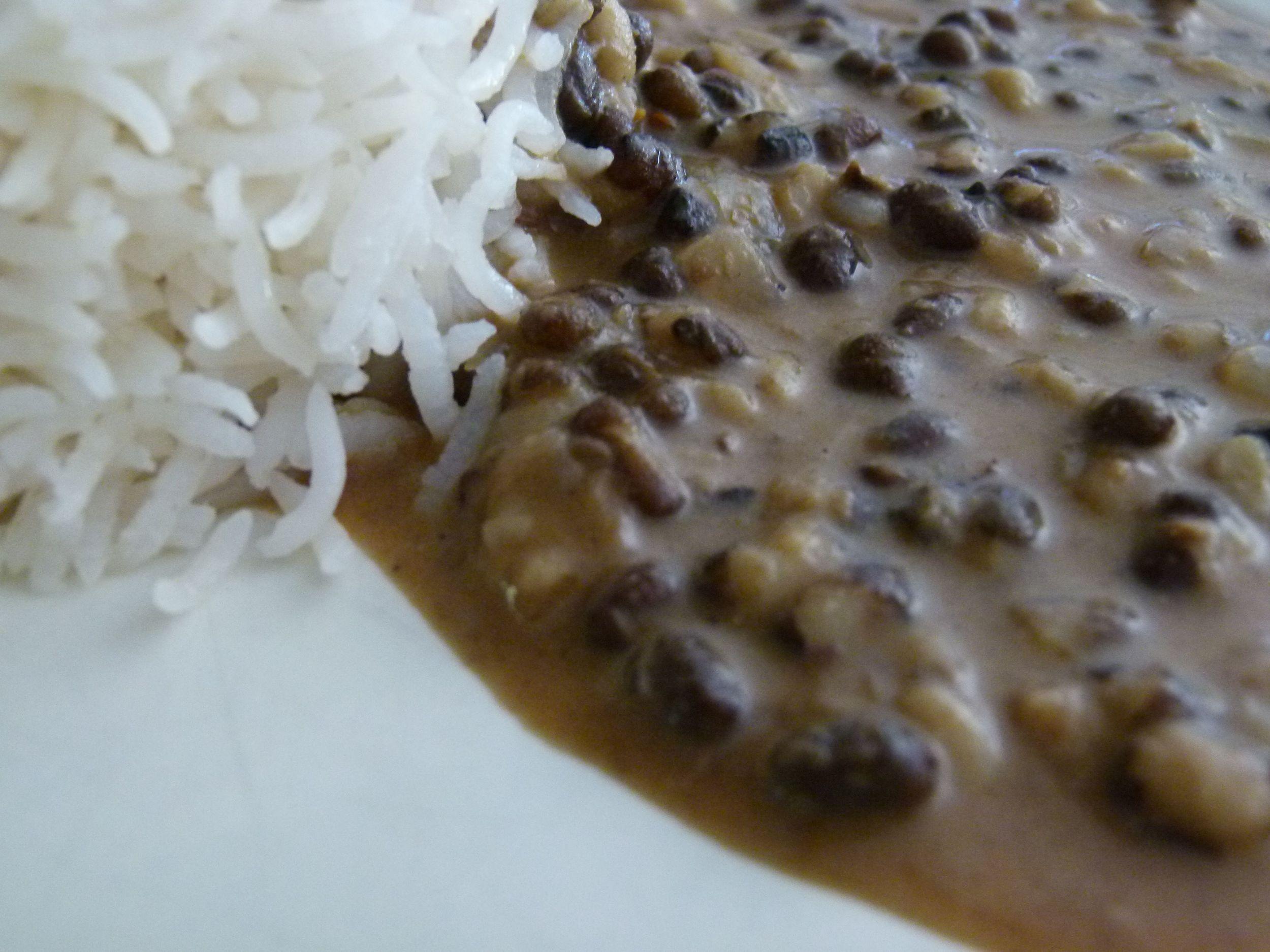 Dal makhani con arroz basmati