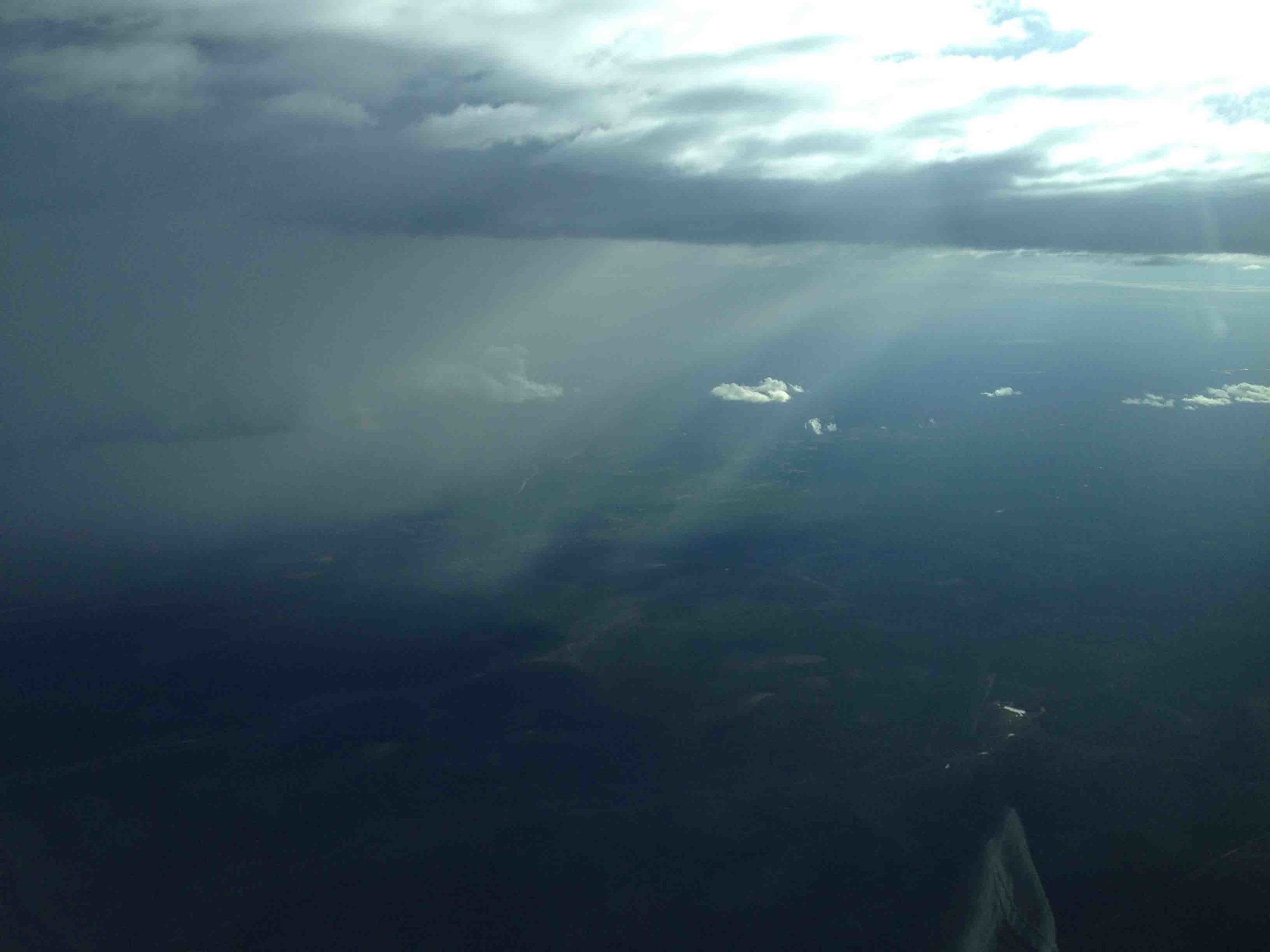 Farewell wet season storm heading back to Cairns